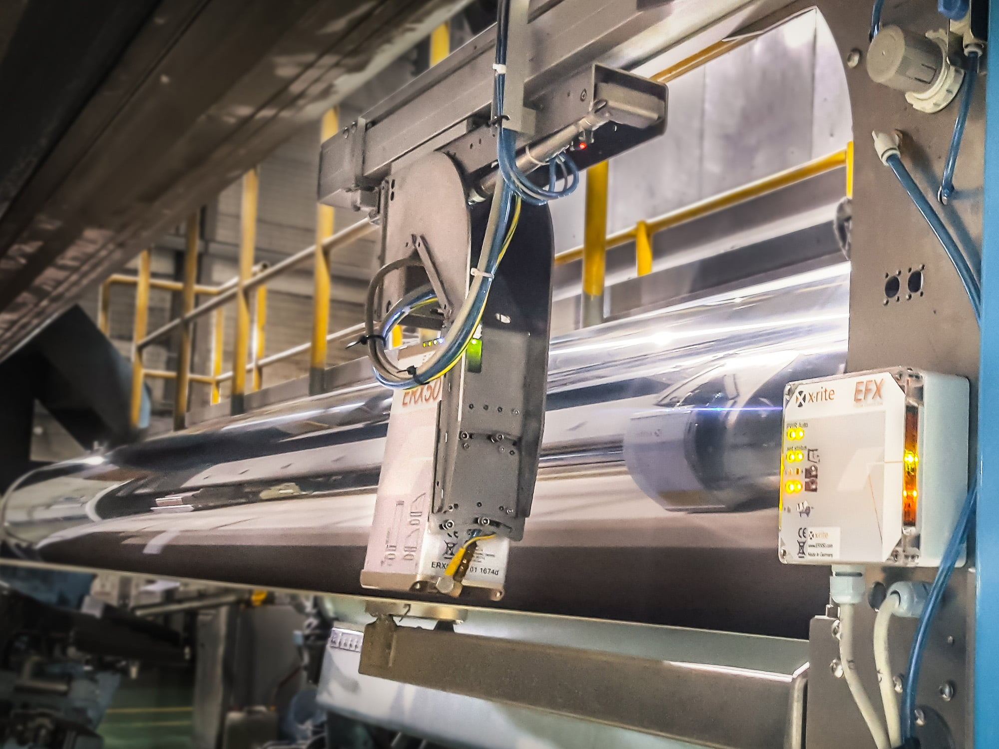 ERX50 from X-Rite guarantees best quality in paper production thanks colour control. Image rights: X-Rite GmbH, free for publication with copyright